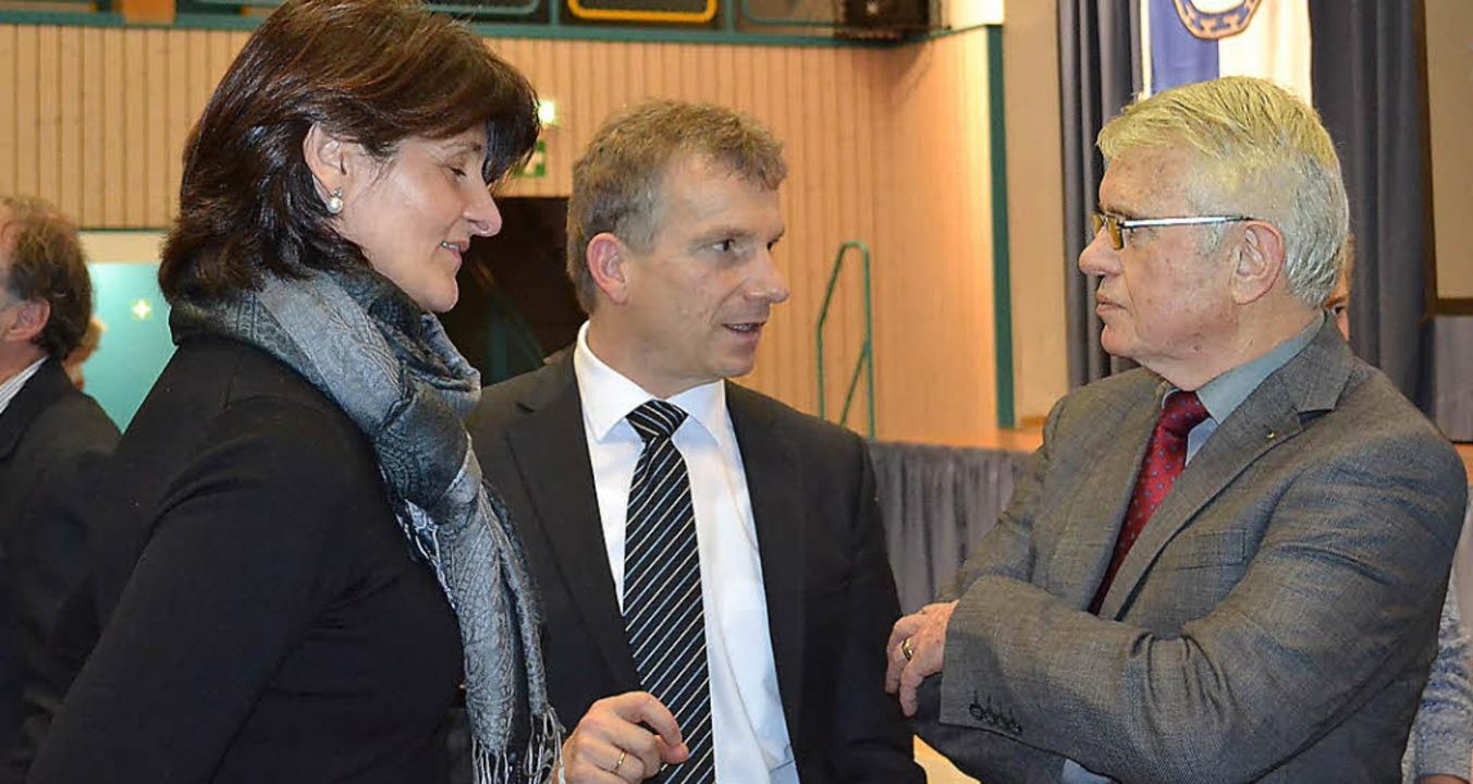 <Text>Da gibt es was zu bereden - Katr...dler (von links) im Gespräch. </Text>   | Foto: Liane Schilling
