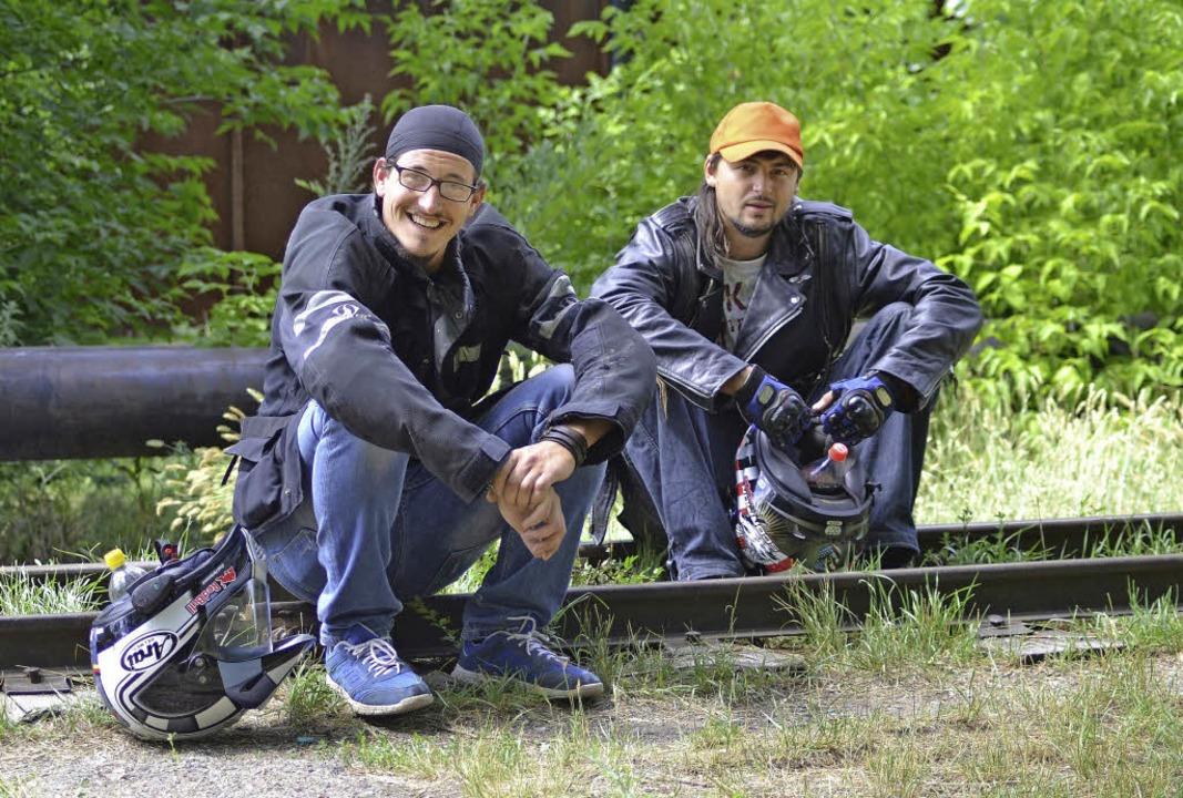 Alexander Haller (links) aus Sulz ist ...r dabei auf Gleichgesinnte getroffen.   | Foto: Privat