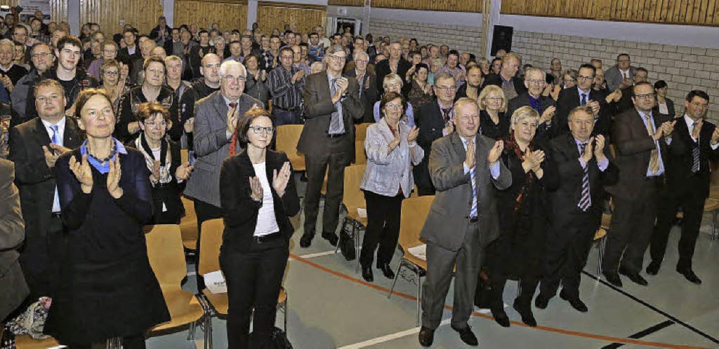Begeisterter Beifall der Ehrengäste fü...rger der Gemeinde Kappel-Grafenhausen   | Foto: fotos: sandra decoux-kone