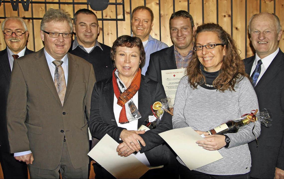 Im Rahmen des Neujahrsempfanges in Obe... wurden verdiente Blutspender geehrt.   | Foto: herbert trogus
