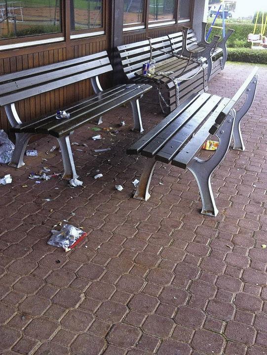 Mit Müllfrevlern auf der Clubheim-Terrasse  hatte der TC Maulburg  zu kämpfen.   | Foto: ZVG