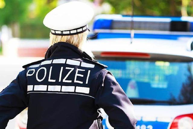Auto in Rheinfelden schleift Fußgänger mit