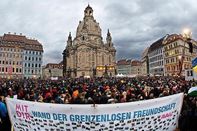 35 000 Menschen setzen in Dresden Zeichen gegen