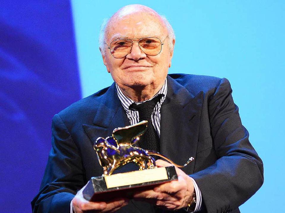 2012 erhielt Rosi den Goldenen Löwen für sein Lebenswerk.  | Foto: dpa