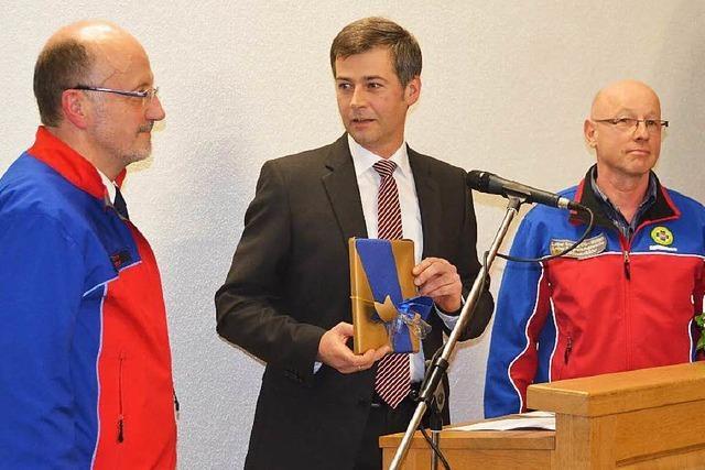 Innenminister Gall weiht neue Bergrettungswache in Ewattingen ein