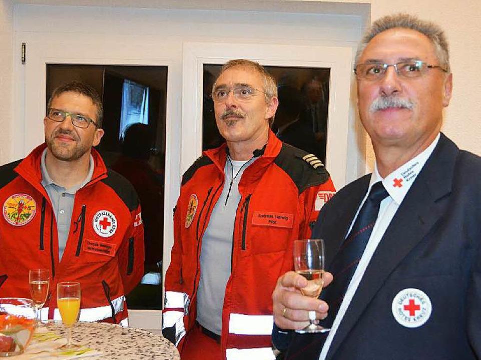 Auch Vertreter von DRK und der Rettungsflugwacht waren nach Wutach gekommen.  | Foto: Juliane Kühnemund