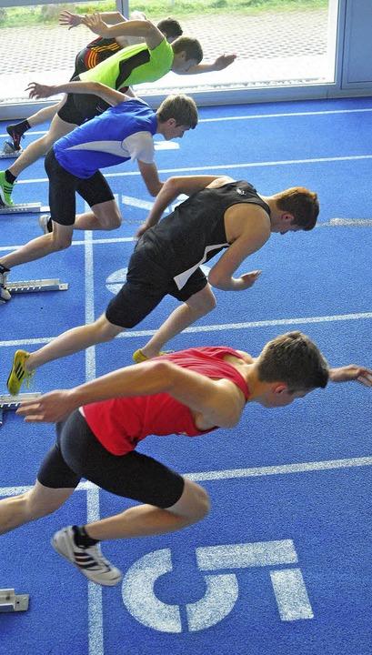Sprintfinale der Jugend U 20:  Christo...öffingen einen neuen Hallenrekord auf.  | Foto: heiler