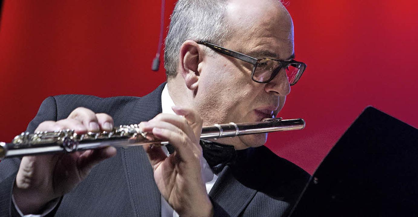 Erstklassig: Die Philharmonie am Forum... herausragenden Solo an der Querflöte.  | Foto: Faruk Uenver