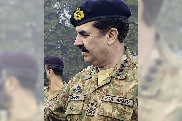 Pakistans Militär übernimmt die Macht