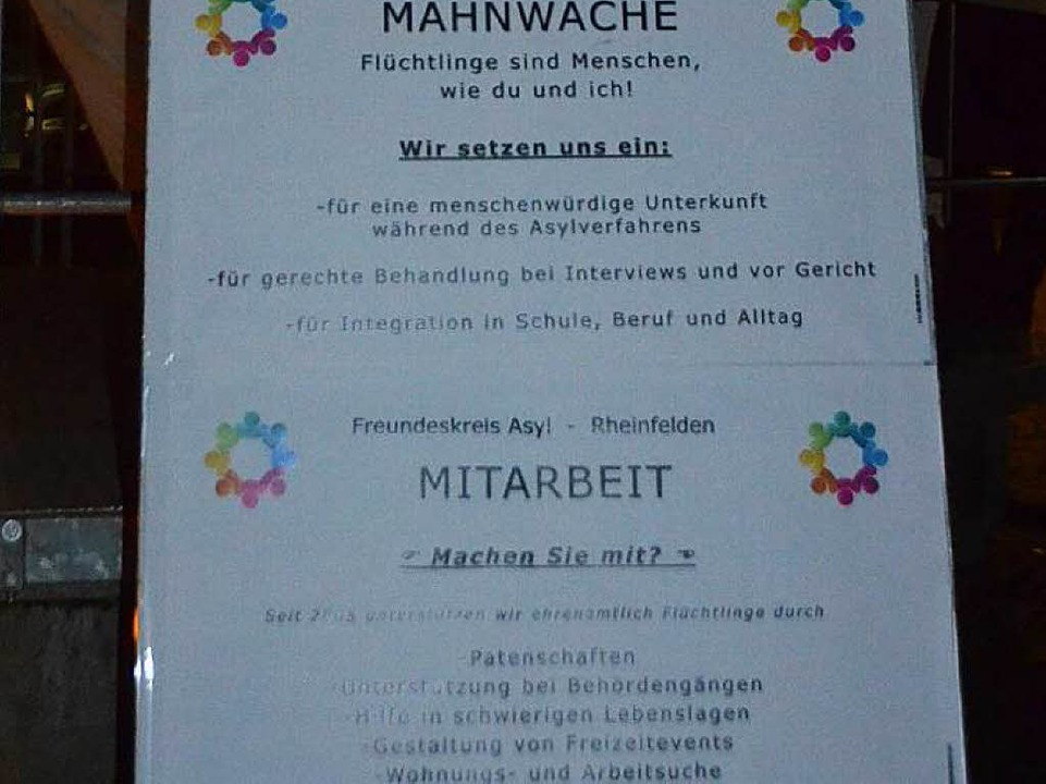 Plakat an der Mahnwache  | Foto: Peter Gerigk