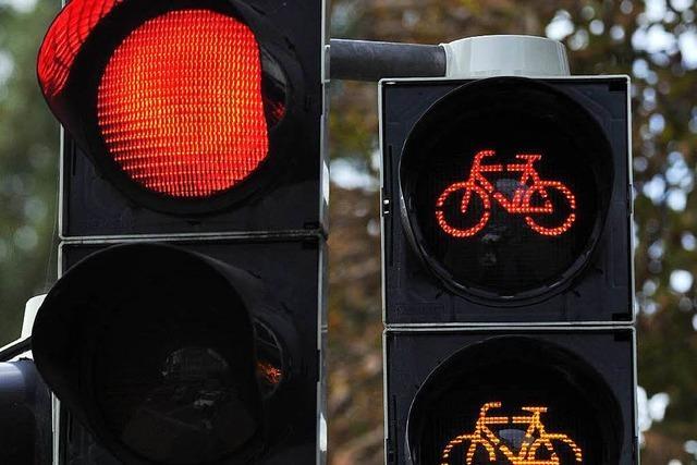 Polizei rät Radlern: Rote Ampeln sind nicht nur Empfehlungen