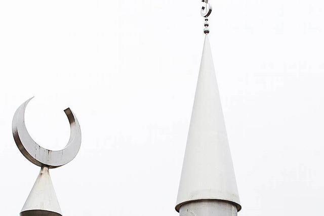 Die Offenburger Moschee hat wieder ein Minarett