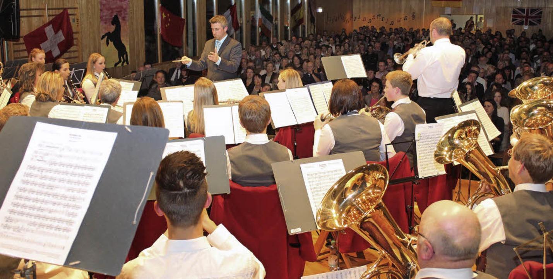Das Orchester des Gottenheimer Musikve...  trumpfte beim jüngsten Konzert auf.   | Foto: Mario Schöneberg