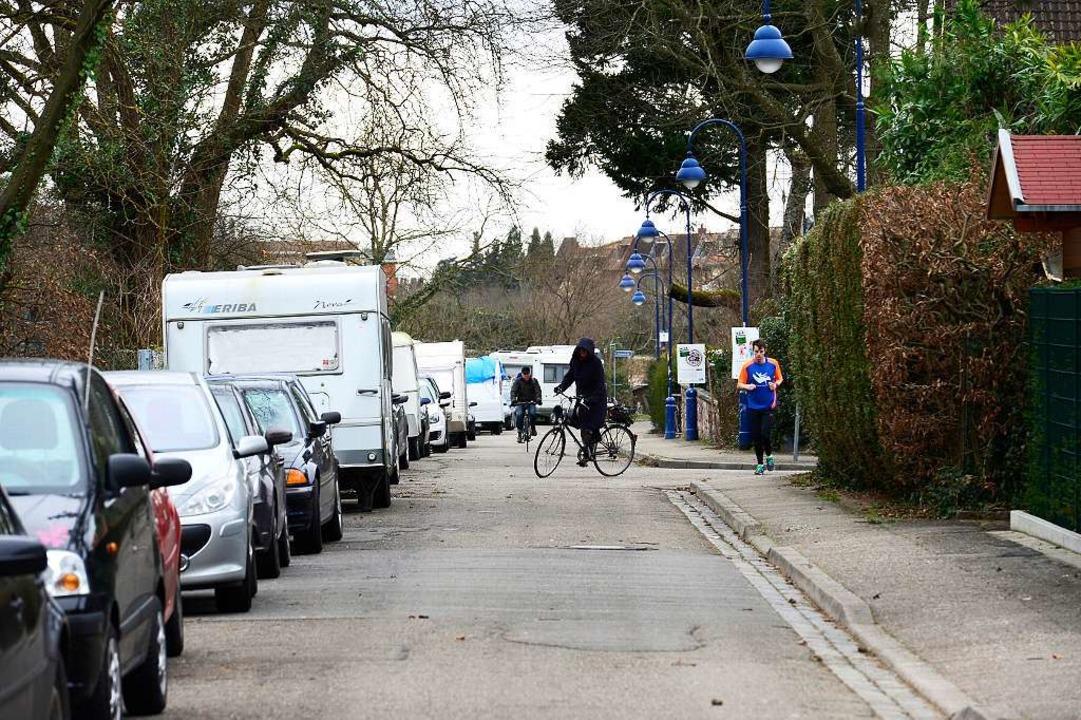 Vor allem im Westteil der Andlawstraße...parken viele Wohnmobile und -Anhänger.  | Foto: Ingo Schneider
