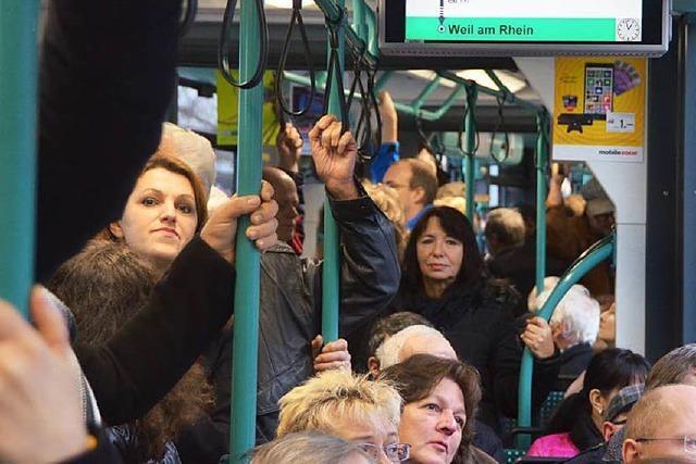 Ansturm am Wochenende: Doppelte Trams nach Weil