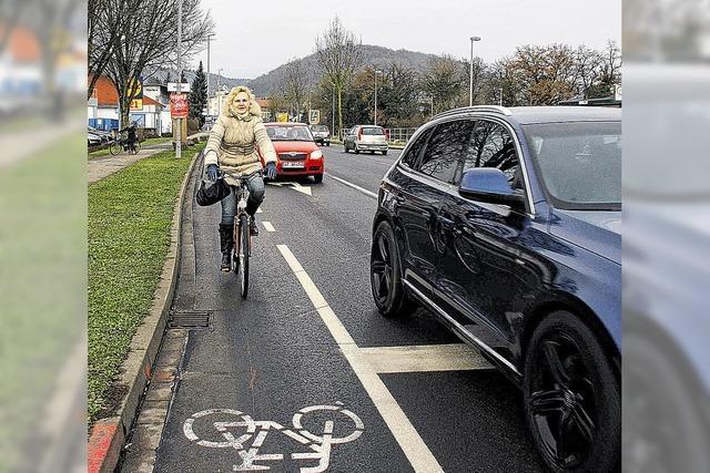 Fahrräder müssen auf die Straße, aber geschützt sein