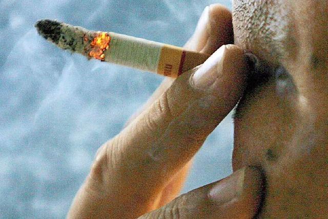 Nachbarn dürfen nicht jederzeit auf dem Balkon rauchen