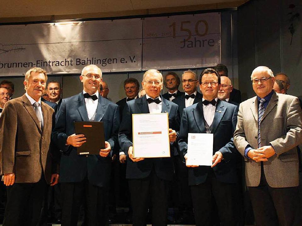 Erwin Vogel (li) und Hans-Peter Hartun...Gretzmeier und Michael Vogel (von li).  | Foto: Christiane Franz