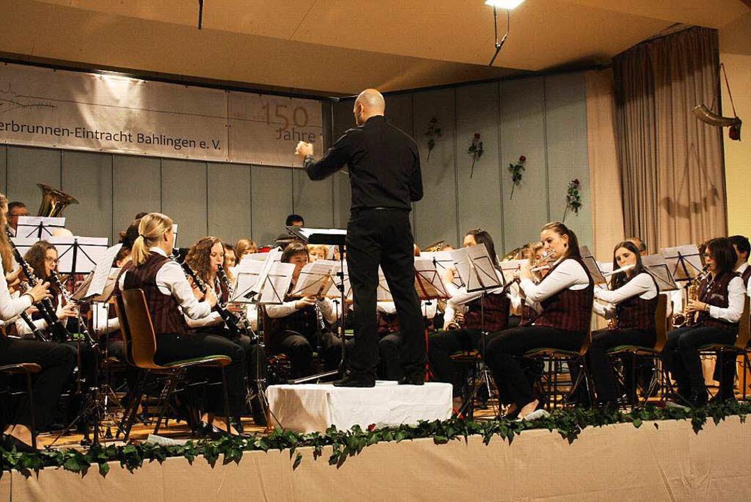 Der Bahlinger Musikverein unter der Leitung von Marco Lemke  | Foto: Christiane Franz