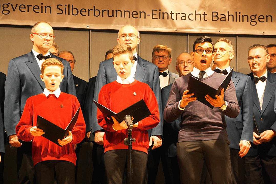 Die Freiburger Domsingknaben Gabriel L...najake begeisterten mit ihrem Aufritt.  | Foto: Christiane Franz