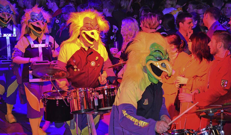 Guggenmusiken sorgten für Stimmung bei...i in der Schwarzwaldhalle St. Märgen.     Foto: Alexandra Wehrle