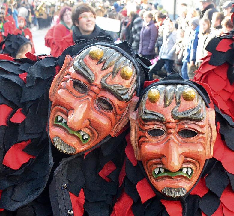 Eine Vielfalt an Masken prägte das närrische Treiben.  | Foto: Jörg Schimanski