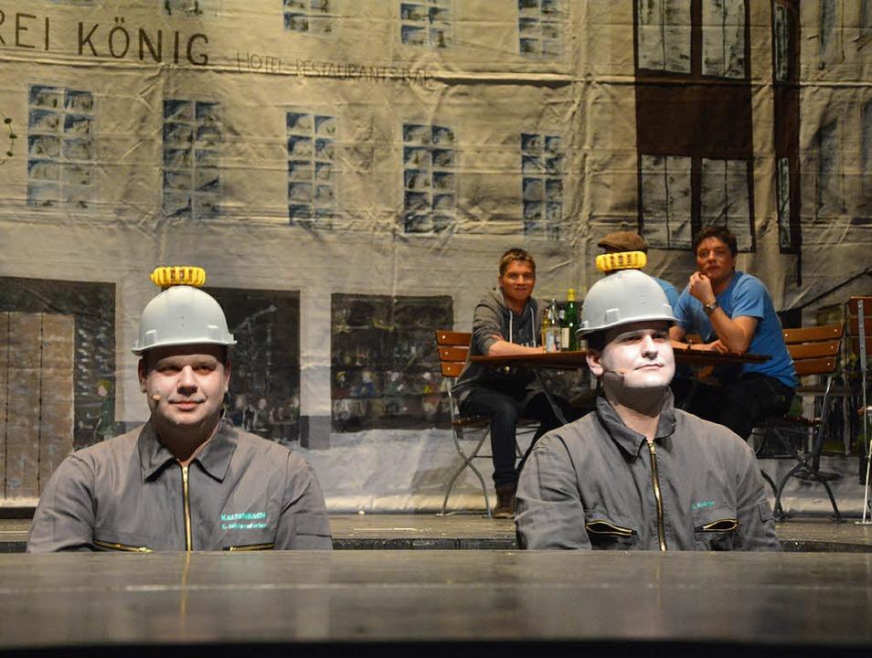 Poller sind auch nur Menschen: Die Sta... links, und Stefan Spinner) im Dienst.    Foto: Barbara Ruda