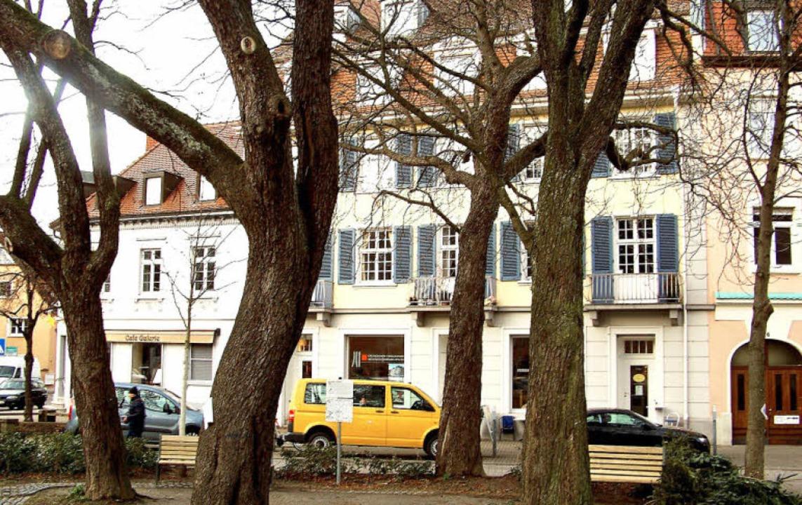 Heute sind in der Häuserzeile am Ende ...nd ein Architekturbüro untergebracht.     Foto: Hans Sigmund