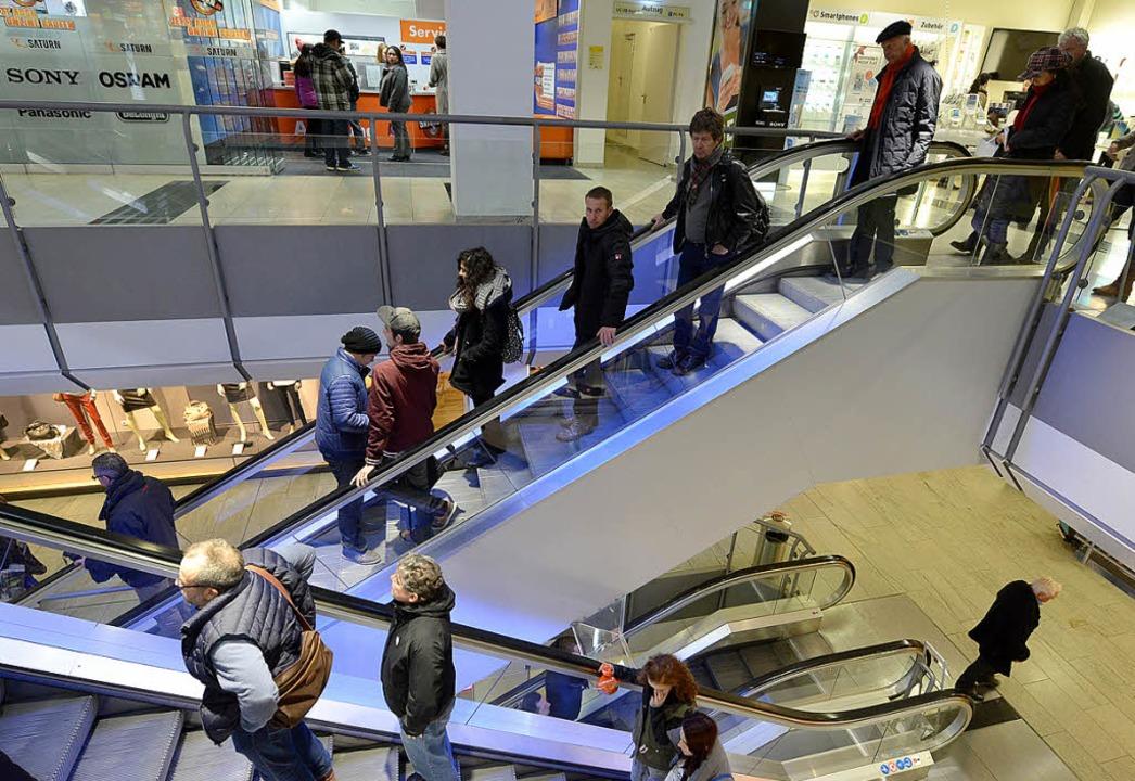 Normaler Andrang am Samstag in den Geschäften    Foto: rita eggstein