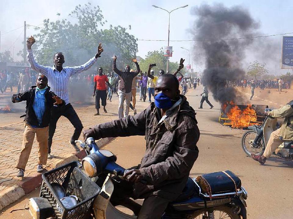 Proteste gegen die Satirezeitung Charl...o in der nigrischen Hauptstadt  Niamey  | Foto: AFP