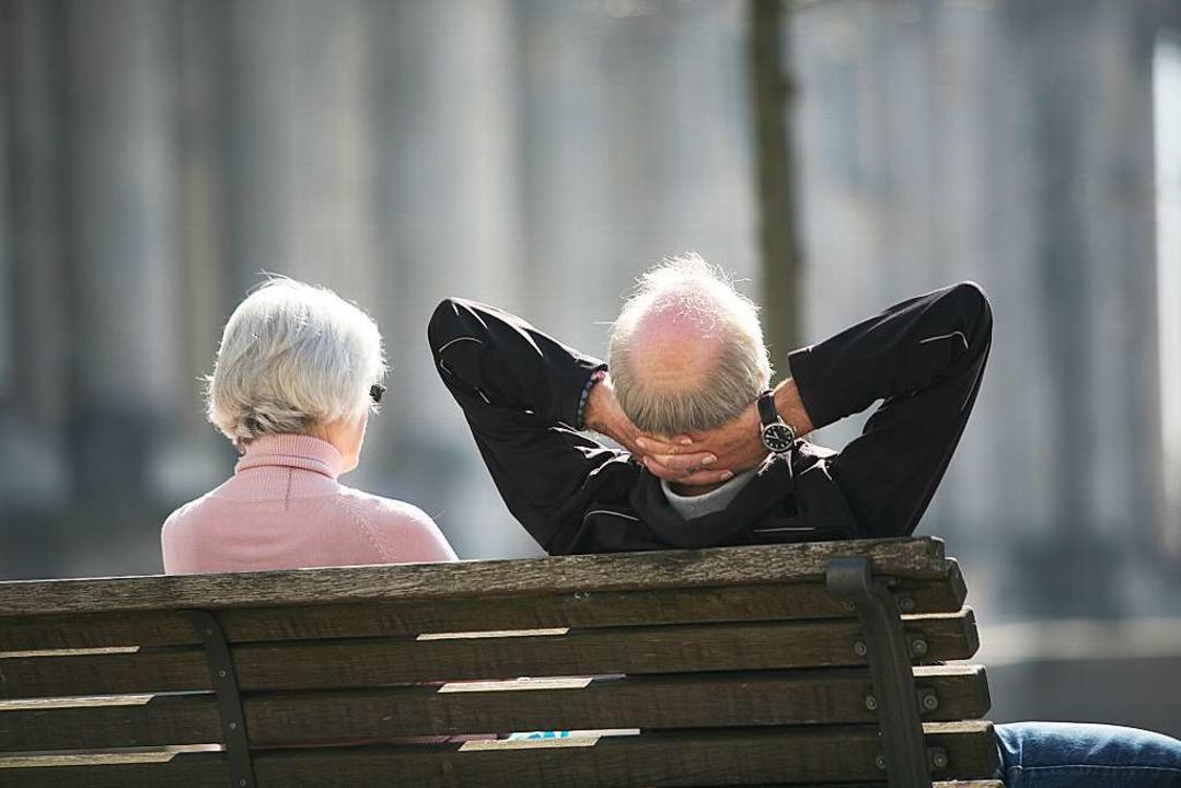 Ein Sonnenbad auf der Parkbank – füllt dies das Leben im Ruhestand aus?  | Foto: Stephan Scheuer