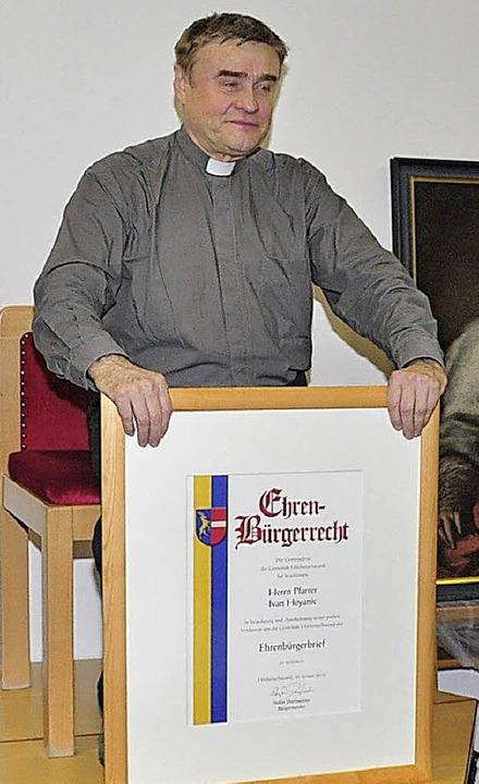 Und plötzlich stand er im Mittelpunkt:...Gemeinde Höchenschwand ernannt wurde.   | Foto: Stefan Pichler