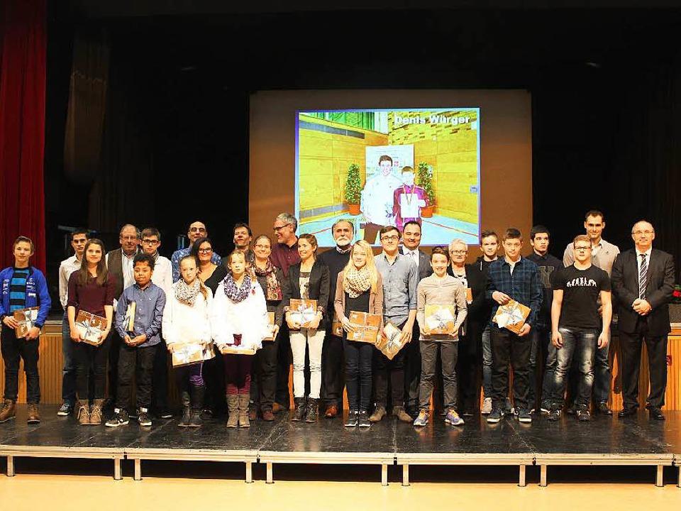 Ausgezeichnete Sportler zuhauf wurden ...ürgertreff der Gemeinde Steinen geehrt  | Foto: Anja Bertsch