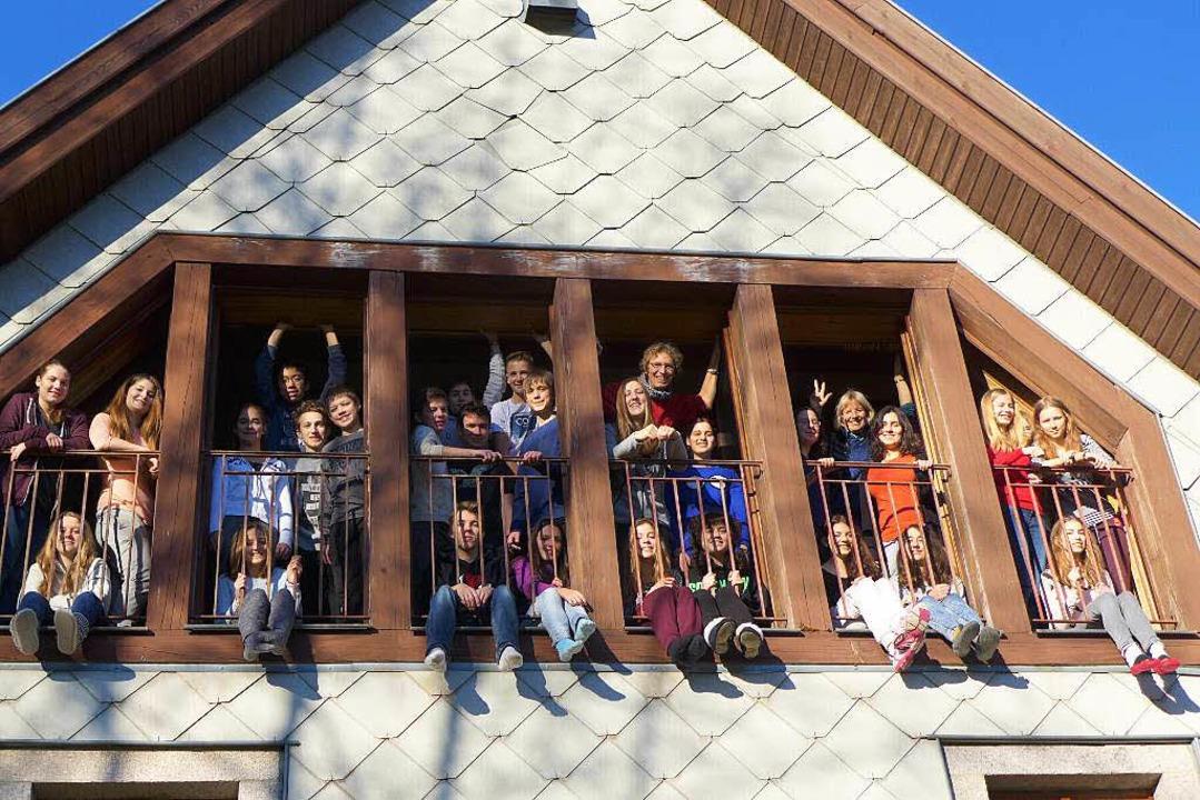Unter einem Dach: Die Gymnasiasten ber... aufs Musical Swinging St. Pauli vor.   | Foto: ZVG