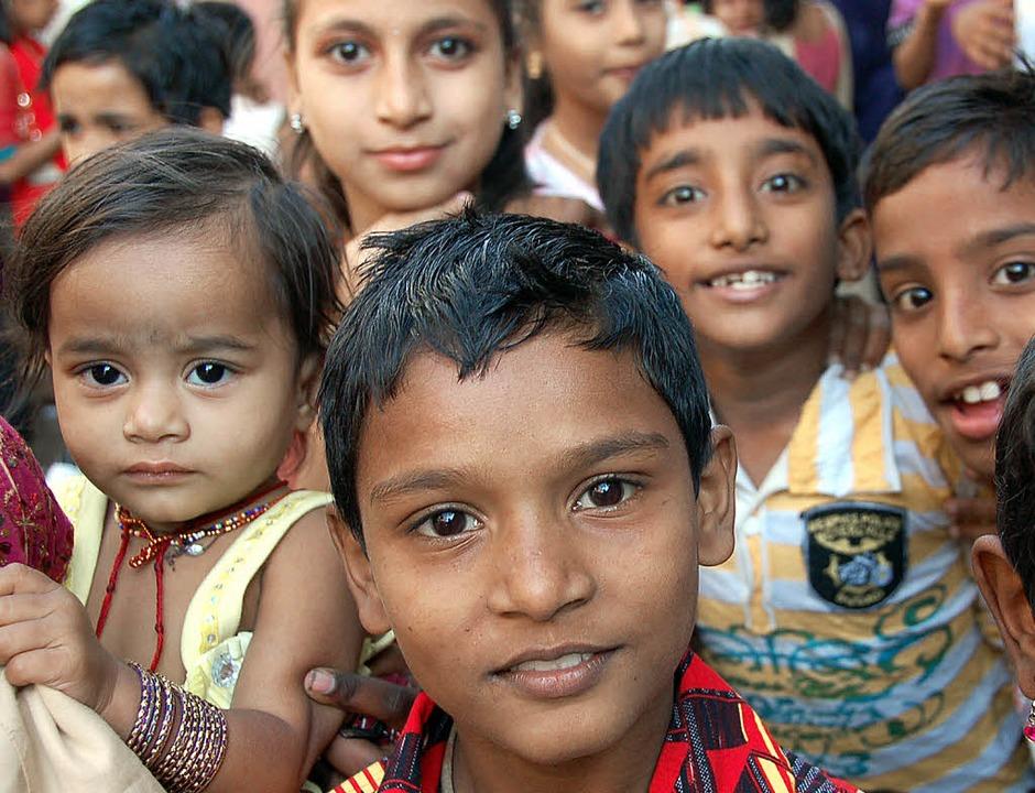 Sie brauchen Hilfe aus Deutschland: indische Kinder  | Foto: Andrea Steinhart