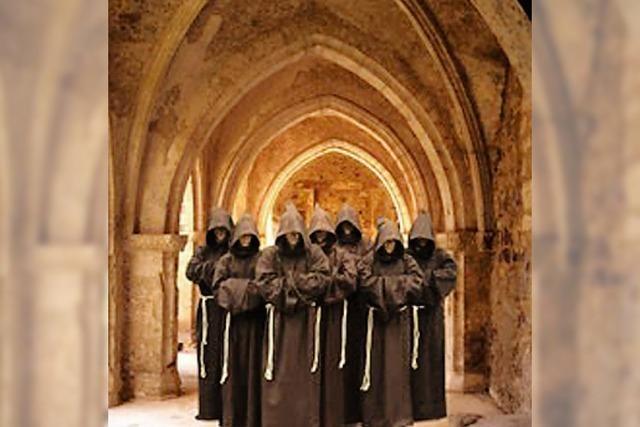 Gregorianische Stimmen in der Kirche Guter Hirte