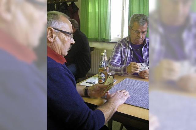Klaus Gentner gewinnt beim Jassen