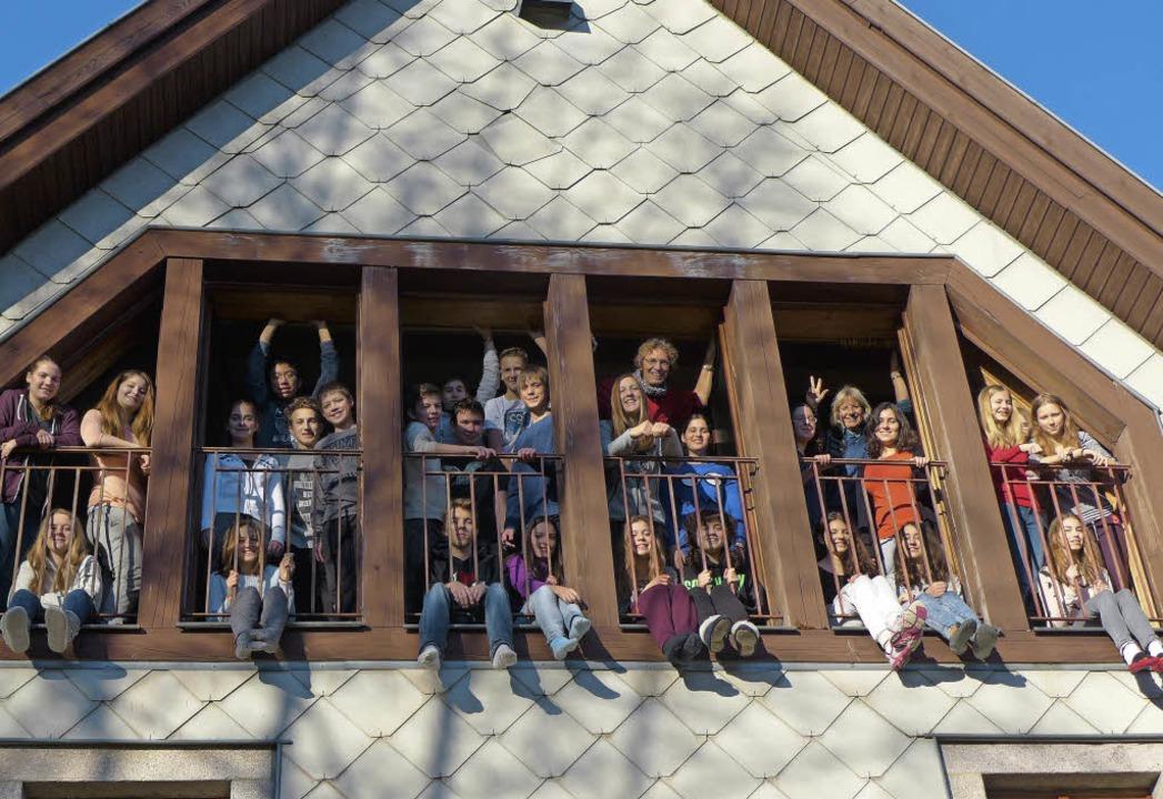 Unter einem Dach: Die Gymnasiasten ber... aufs Musical Swinging St. Pauli vor.     Foto: ZVG