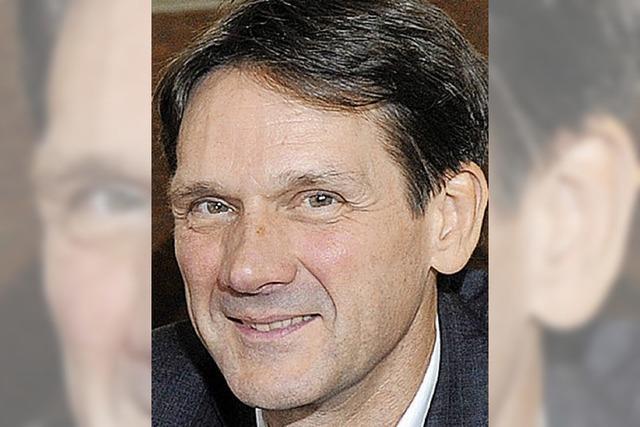Interview mit Sozialwissenschaftler Christoph Scherrer über Reich und Arm