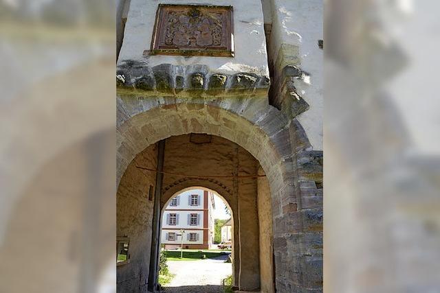 Café-Pläne im Torbogen von Schloss Beuggen