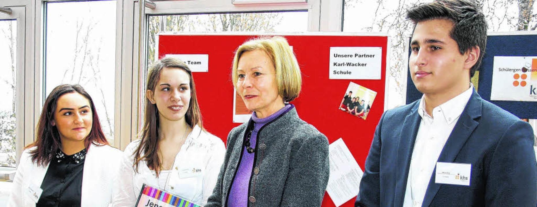 Der Vorstand der KHS Mensagenossenscha...fessorin Nicole Göler und Mete Ünal.      Foto: Molitor