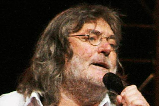 Roger Siffer singt mit Kollegen
