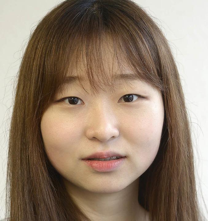 """Soeun Lee, 20: """"Ich interessiere... finde ich noch sehr schwierig.""""    Foto: Ingo Schneider"""