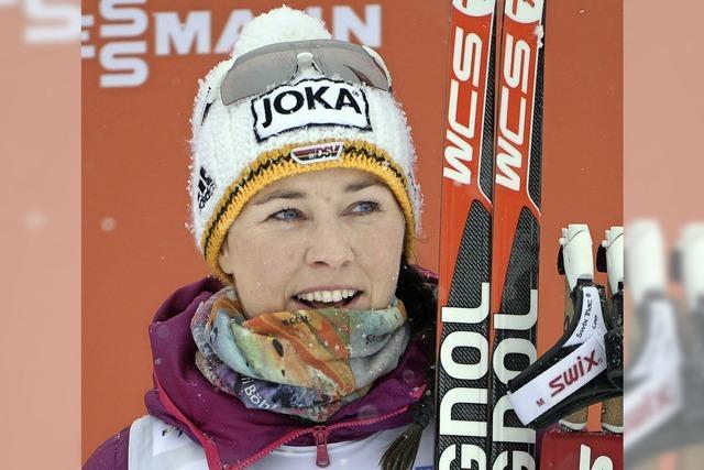Stefanie Böhler skatet auf das Podest