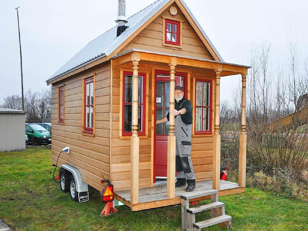 tiny house die gro e idee vom kleinen haus auf r dern staufen badische zeitung. Black Bedroom Furniture Sets. Home Design Ideas