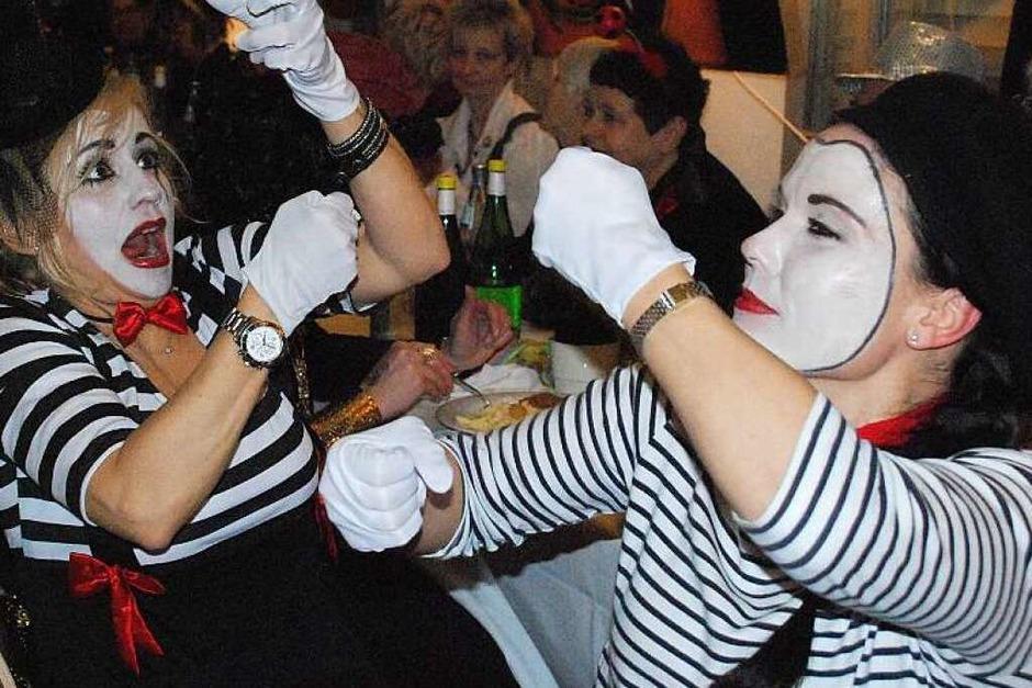 Neben den Beiträgen voller Humor, Politik und Lokalkolorit, war das bunt verkleidete Publikum eine Attraktion für sich. (Foto: Maja Tolsdorf)