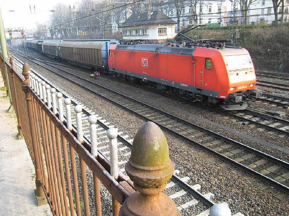 Bahnlärm ist Alltag in Offenburg &#821...unnel wohl nicht vor  2035 fertig ist.  | Foto: helmut seller