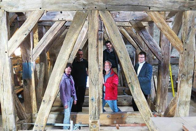 In der Niederrotweiler Michaelskirche wurde der 300 Jahre alte Glockenstuhl aufwendig saniert