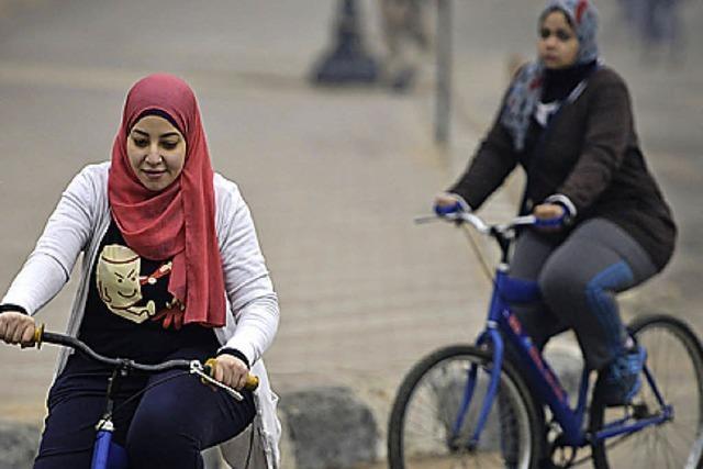 BADISCHE-ZEITUNG.DE: Frauen Radeln