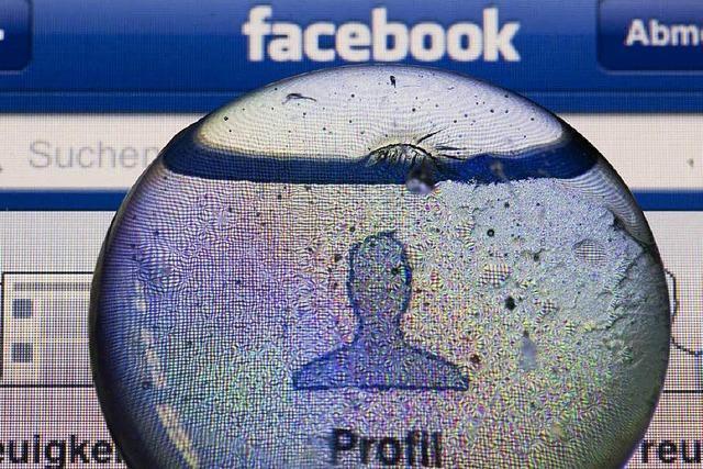 Facebook: Bundestag will mehr Datenschutz